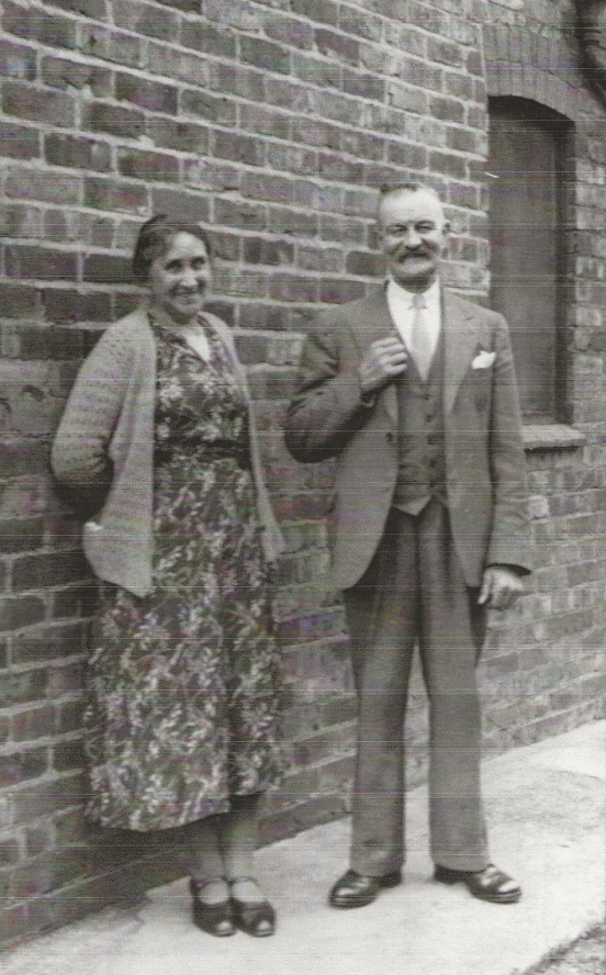 Ernest and wife Laura outside the house Ernest built at Braefield